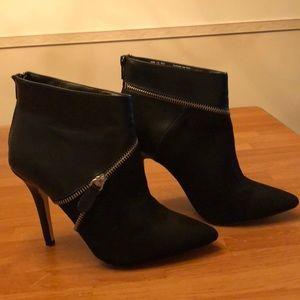 Rock & Republic black ankle boots size 7.5